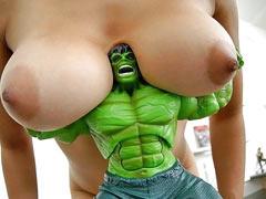 Hulk fucks the girl