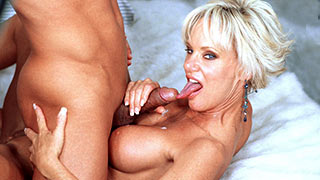 Blonde mature happily sucked the cock