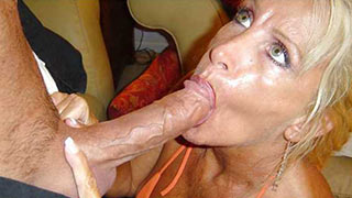 Blonde mature woman sucking cock