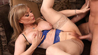Mature woman fucking spreading wide