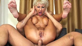 Younger lover fucks mature woman like a dumb whore
