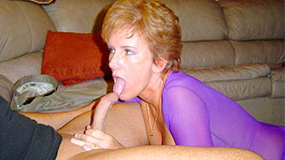 Mature woman into oral sex