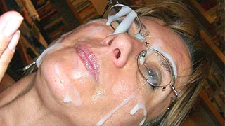 Mature woman took a cumshot to her face