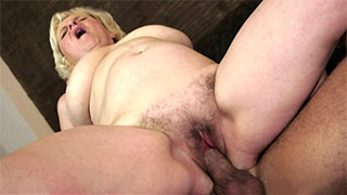 Young guy pushed his cock deep into mature woman's cunt