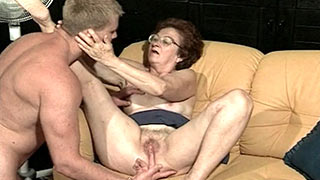 Fingering granny woman's cunt