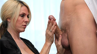 Mature woman's touch made the cock stand up
