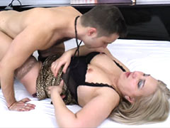 Sex with mature woman