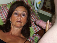 Single mom tired without cock