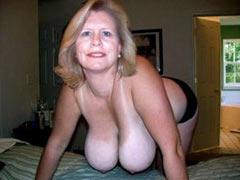 Mature mom seduces her sons friend